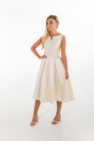 model wearing Janelle bridesmaid dress